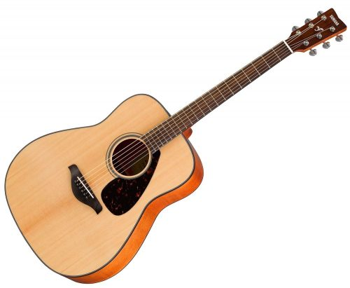Yamaha Gigmaker 800M Acoustic Guitar Pack